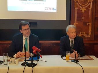 Fachgruppen-Obmann Andreas Zakostelsky (links) und Fachgruppen-Geschäftsführer Fritz Janda bei der Pressekonferenz (Bild: VersicherungsJournal)