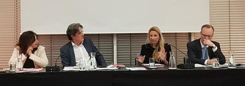 von links nach rechts: Doris Wendler, Martin Kwauka, Juliane Bogner-Strauss und Alexander Biach (Bild: VersicherungsJournal)