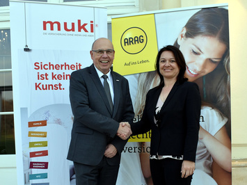 Muki-Vorstandsvorsitzender Wenzel Staub und Arag-CEO Birigit Eder (Bild: Muki)