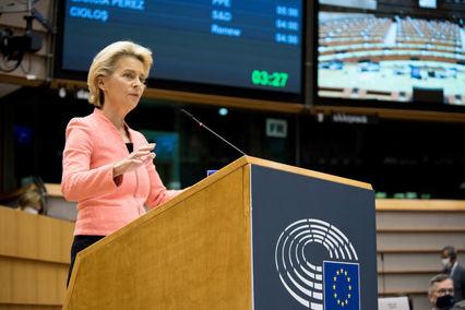 Kommissionspräsidentin Ursula von der Leyen am Mittwoch bei ihrer Rede zur Lage der Union im EU-Parlament (Bild: Europäische Union, 2020)
